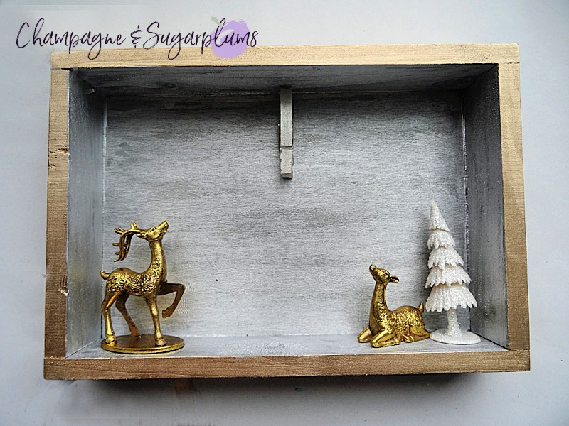 Completed elegant Christmas card holder by Champagne and Sugarplums