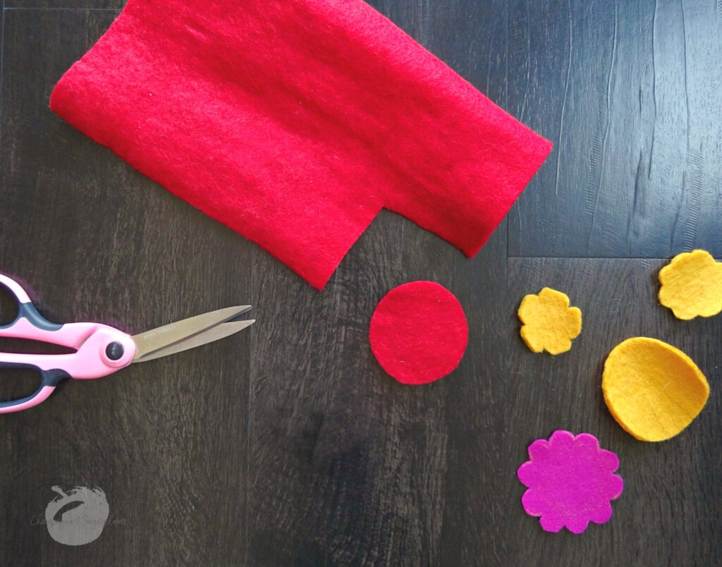 How to cut out felt flowers by Champagne and Sugarplums