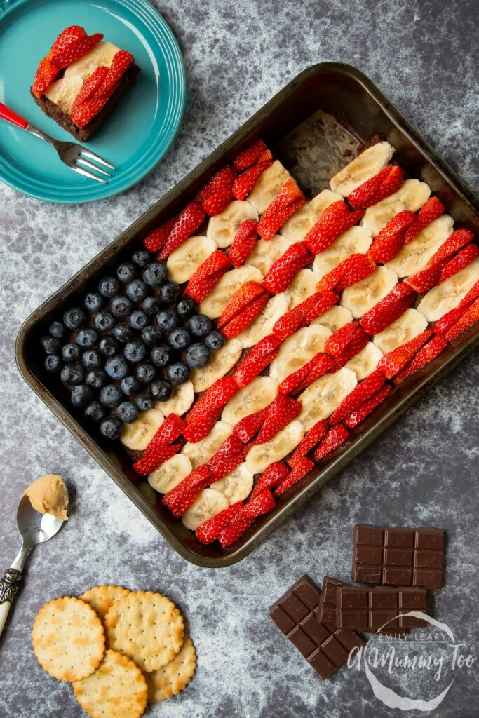 4th July Brownie Flag with Peanut Butter Fruit - A Mummy Too