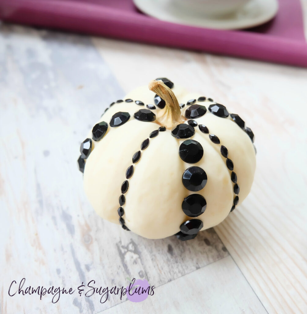 Jewels DIY Thanksgiving Centrepiece Idea - Mini Pumpkins by Champagne and Sugarplums