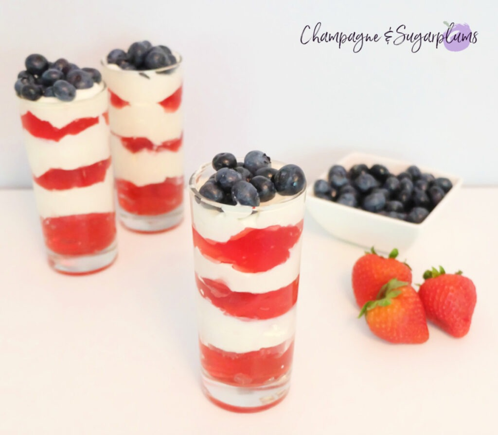 Easy and Quick Forth of July Strawberry Dessert ready to go