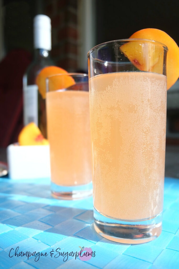 Summer Peach Moscato Cocktail