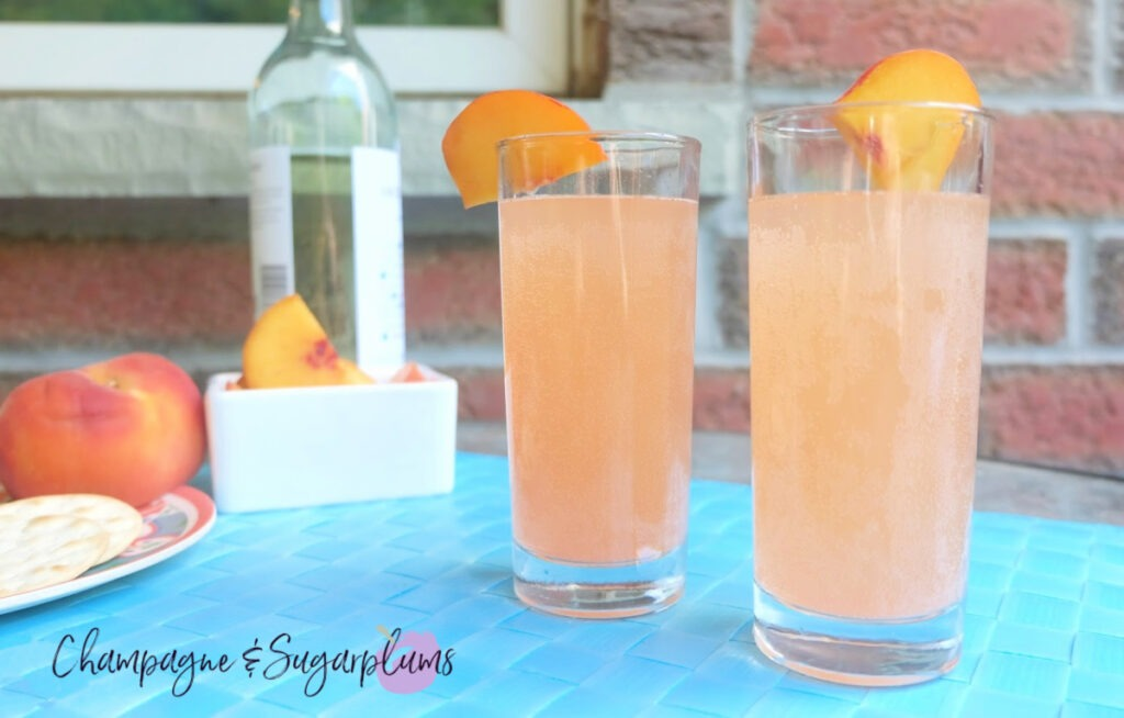 Summer Peach Moscato Cocktail Recipe for the Long Weekend