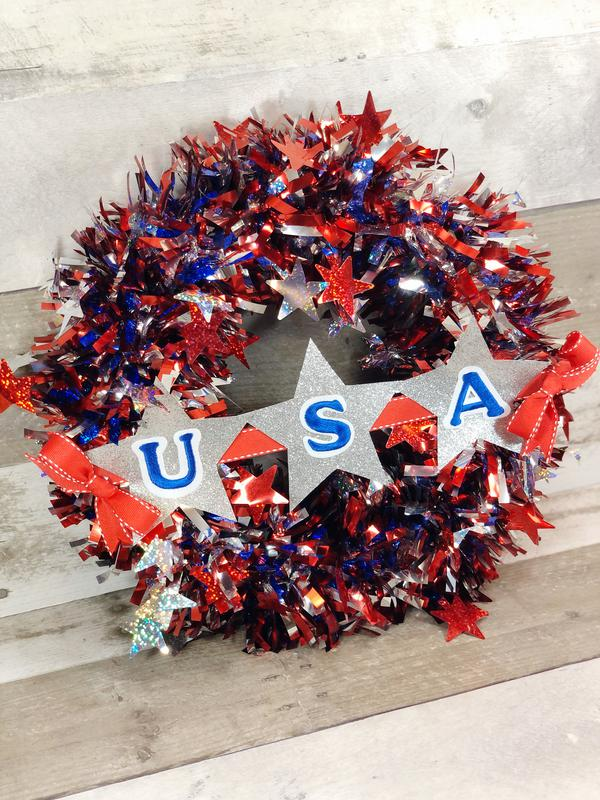 Best Dollar Store Wreath!  DIY 4th of July Wreath - Kimspired DIY