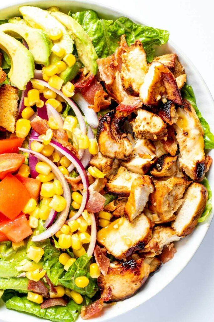 Honey Mustard Chicken Salad with Avocado, Bacon & Goat Cheese - Delicrunch