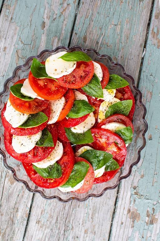 Tomato, Basil and Mozzarella Salad - Sidewalk Shoes
