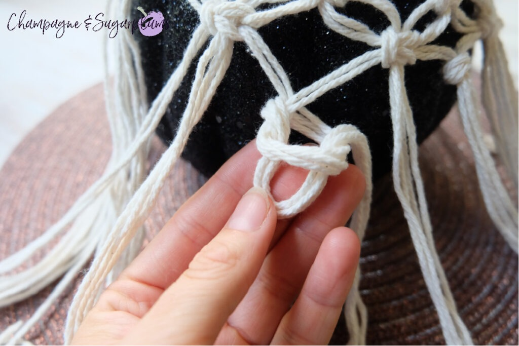 How to Make a Macrame easy knot by Champagne and Sugarplums