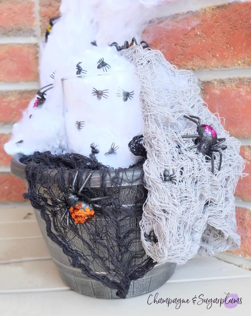 DIY Outdoor Halloween Idea - Creepy Spider Planter