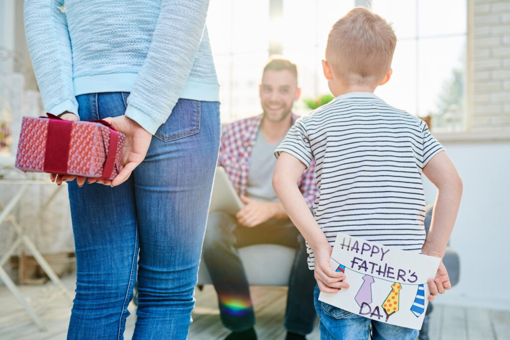 Fun Father's Day Crafts That Kids Can Make by Champagne and Sugarplums